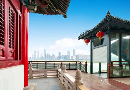 Traditional classical architecture by the river, Nanchang, China. Foto de archivo