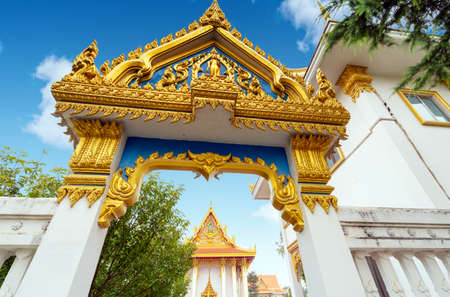 The beautiful Thai Buddhist temple is a holy place for the Thai people. Foto de archivo