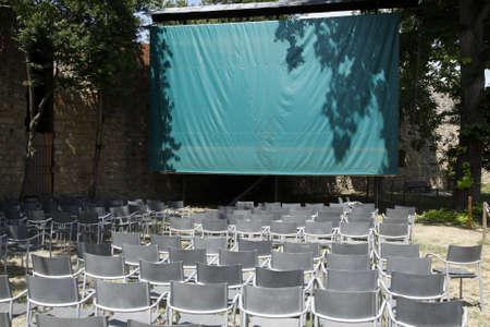 vuota aperta cinema all'interno della Rocca di San Gimignano delle belle torri toscana sud Italia Europa Archivio Fotografico