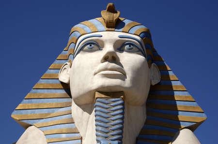 esfinge: r�plica de la Esfinge de Giza Foto de archivo