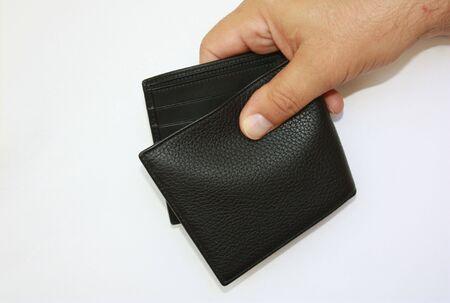 Hand met lege portemonnee
