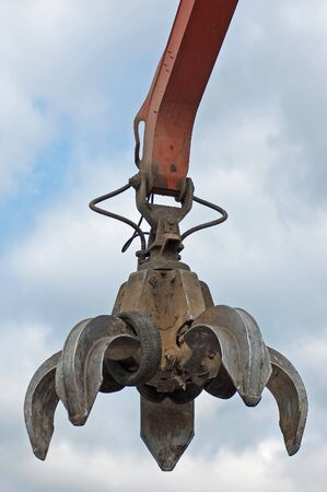 A huge mechanical claw in work Stock Photo - 5529401