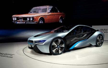 i3: FRANKFURT - SEP 25:  BMW Concept car i8 shown at the 64th Internationale Automobil Ausstellung (IAA) on September 25, 2011 in Frankfurt, Germany.