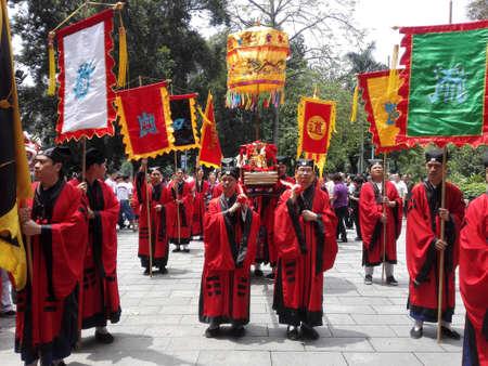 show folk: April 21, 2015, Guangzhou March festivals, Ren Wei Pak Tai temple to greet the parade. Editorial