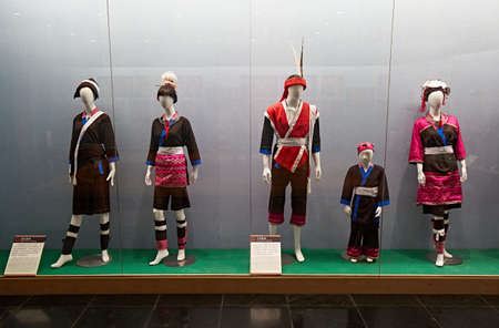 Display of the traditional Jinkeng costumes and Daping costumes