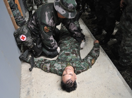 Police paramedic training Stock Photo - 12768089