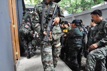 Police paramedic training Stock Photo - 12768093