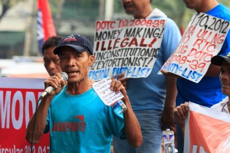 conflictos sociales: Militante manifestaci�n contra el gobierno