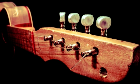 pegheads: Old wooden guitar handle