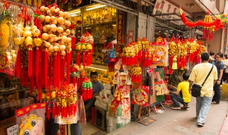 February 6, 2013: Filipino-Chinese community preparing for chinese new year in Chinatown, Manila, Philppines Stock Photo - 17914201