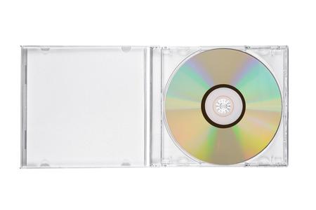 Boîtier CD bijou ouvert avec disque compact isolé sur fond blanc. Vue de dessus Banque d'images