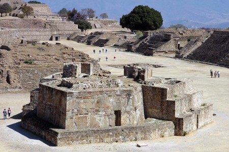 monte: Ancient ruins on Monte Alban in Mexico
