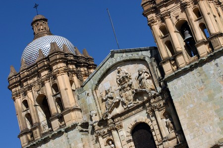 Detail der Kathedrale in Oaxaca Stadt in Mexiko