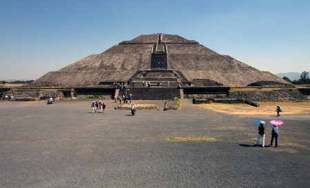 Ansicht der Pyramiden in Teotihuacan in Mexiko
