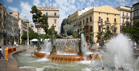 Historic fountain with statues in Valencia Editorial