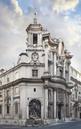 맑은 날에 외부에서 로마 확연히 볼 수있는 산 카를로 ALLE 콰트로 글꼴 교회의 교회