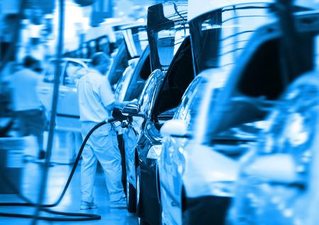 ensamblaje: trabajo en la industria fabril coche grande
