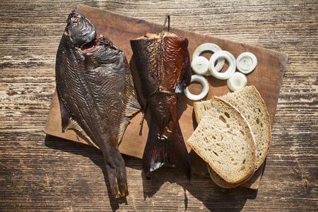 훈제 생선 연어와 가자미 맛있는 음식