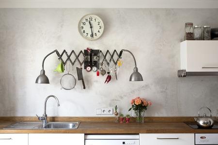 Nuova cucina in uno stile industriale molto moderno Archivio Fotografico - 39062801