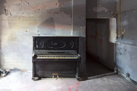 antique sleigh: old dirty black piano instrument dust