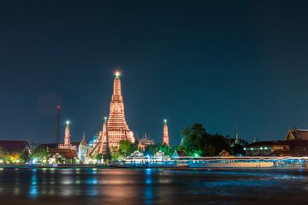 thai temple: Wat arun also call temple of dawn located near Chaophraya river in Bangkok , Thailand