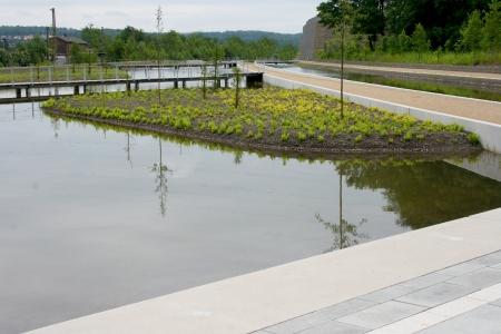 cours d eau: Marcher sur un cours d'eau