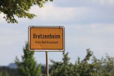 deutschland: local sign of the town Bretzenheim, Rhineland Palatinate, Germany Ortsschild der Stadt Bretzenheim, Rheinland Pfalz, Deutschland