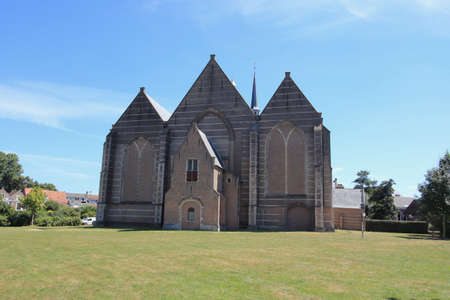 the large or St. Nicholas Church is a late Gothic Evangelical Unified parish church in Brouwershaven in the Dutch province of Zeeland
