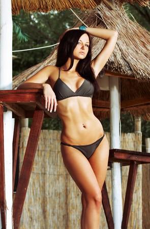 ni�as en bikini: Bella modelo sexy bikini uso Foto de archivo