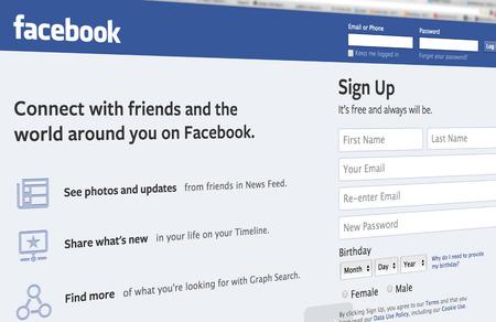 ベルリン, ドイツ - 月 26, 2014 Facebook が世界最大のソーシャル ネットワークが Mark Zuckerberg によって 2004 年に設立されたアップルの iMac を使用してペ