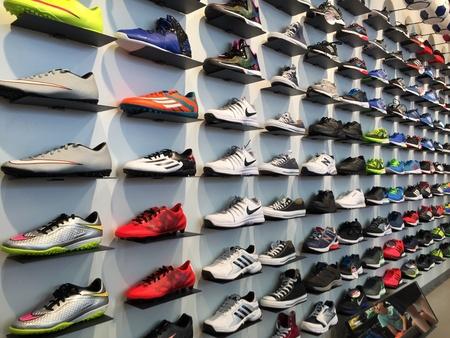 ropa deportiva: Muestran calzado para correr