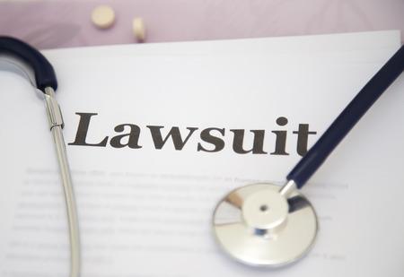 Medisch Misdrijf Papierwerk Rechtszaak Papers op het bureau van een arts