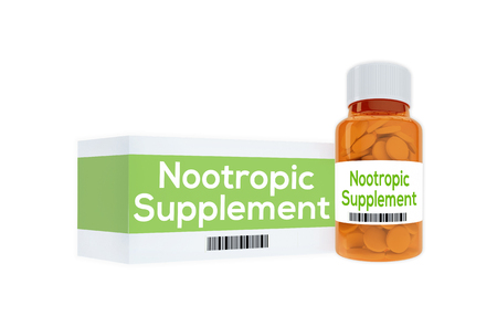 "3D illustratie van ""Nootropic Supplement"" titel op pil fles, geïsoleerd op wit. Medicatie concept. Stockfoto"