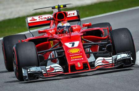 KUALA LUMPUR, MALAYSIA - SEPTEMBER 30, 2017 : Kimi Raikkonen of Finland and Ferrari on track during qualifying for the Malaysia Formula One Grand Prix at Sepang Circuit Redakční