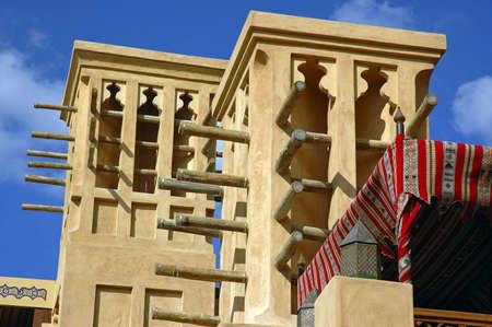 convection: Arabo storico strutture tradizionali basati su principi di aria di convezione, per aiutare a mantenere l'interno di un edificio fresco Archivio Fotografico