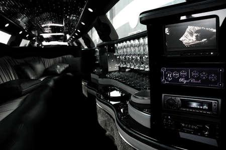 Der Innenraum von einer luxuriösen Limousine