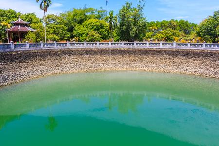 semi: Semi circle lake