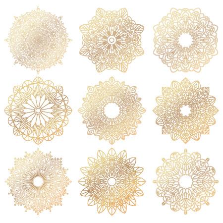 Ensemble de mandalas d'or. élément de cercle géométrique faite dans un vecteur. Il peut être utilisé pour la conception différente de type, d'anniversaire et d'autres vacances, livre de couleur, T-shirts, médaillons, yoga, l'Inde, l'arabe Banque d'images - 57612745
