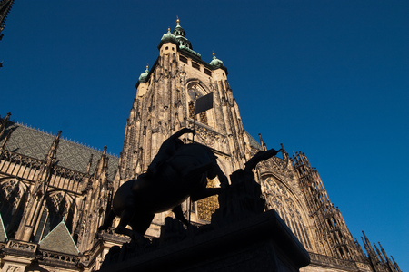 vitus: Statue in front of St. Vitus Cathedral in Prag Stock Photo