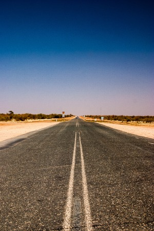 Lonley road in the outback of Australie