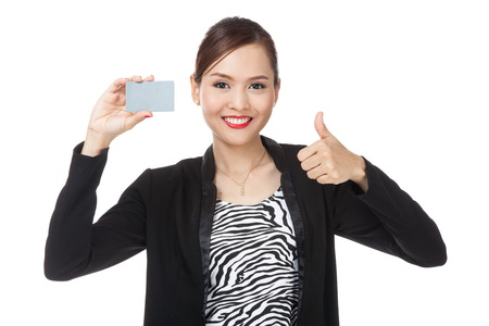 femme pouce leve: Young Asian business woman thumbs up with a blank card  isolated on white background Banque d'images