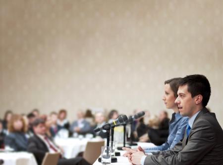 conferencia de negocios: Rueda de negocios de interior para los directivos.