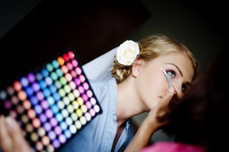 hair dress: La novia se est?reparando para la boda