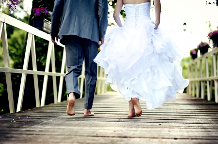 Beautiful wedding couple is enjoying wedding Stock Photo - 17972136