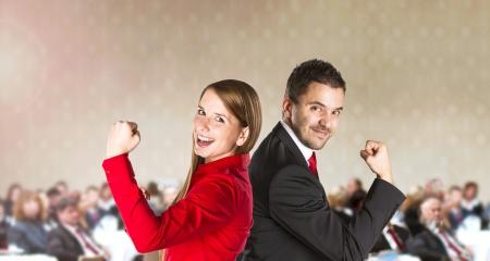 ganar: Conferencia de negocios interior para los gerentes en el hotel
