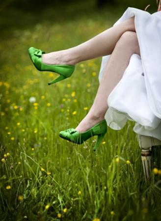eventos especiales: Fotograf�a de un hermosos zapatos de la boda listos para la novia