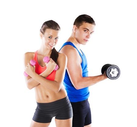 피트 니스 운동을하기 전에 운동 선수 남자와 여자