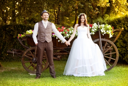 beautiful bride: Beautiful bride and groom portrait in nature
