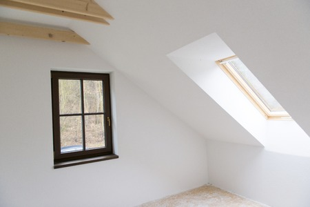 demolition: Empty unfinished room with white walls in a new constructed house