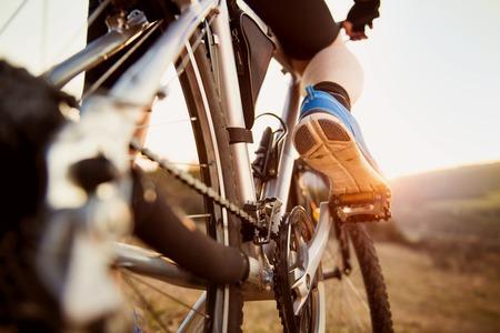 ciclista: Hombre en bicicleta